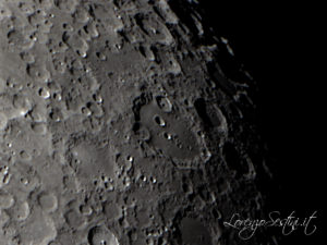 Luna con Mak180 qhy5 l color filtro rosso
