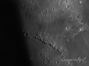Luna con camera qhy5 e telescopio mak127 star adventure