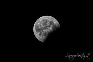 Eclisse di luna 81% foto al 40% Telescopio 80 ed il 16-08-08