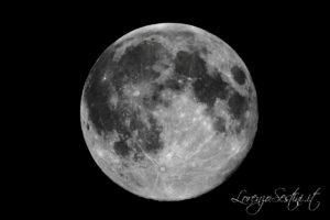 Luna calante al 99%con Celestron c9 scatto unico con canon 1000d