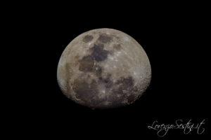 Luna con telescopio 200-1000 Canon 40d
